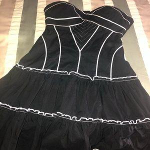 Bebe Reversible 2-in-1 strapless ruffle dress